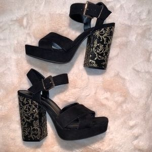 Parker & Sky Block Gold Detail Heels Size 7